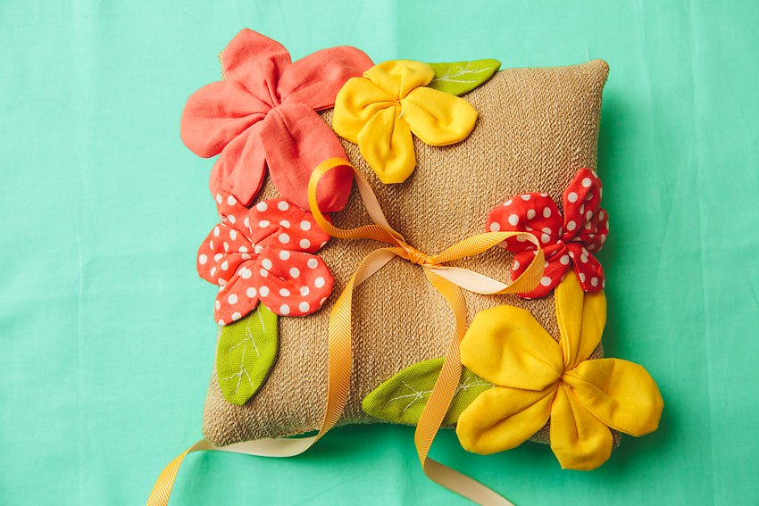 How To Pretty Petal Ring Pillow 047