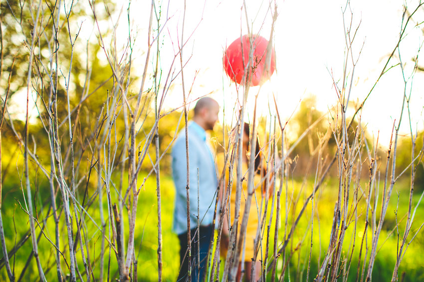 Red Balloon Engagment Photos The Goodness 015