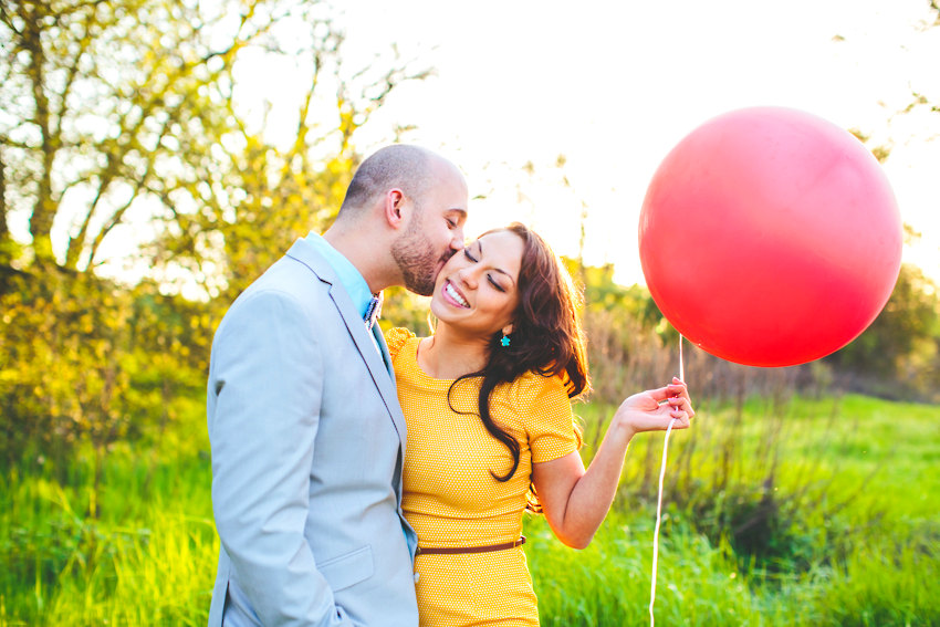 Red Balloon Engagment Photos The Goodness 016