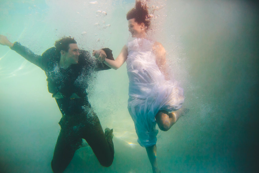 Underwater engagement session 002 photo