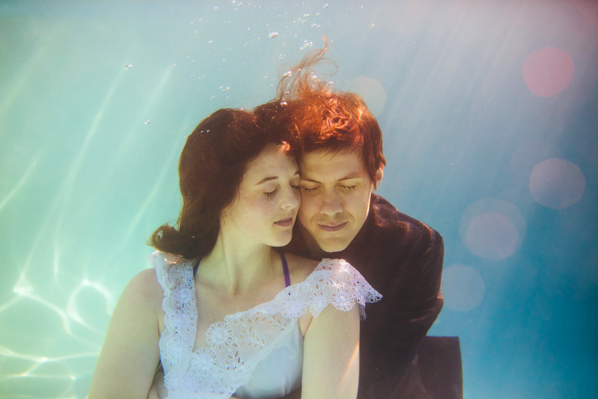 Underwater engagement session 008 photo