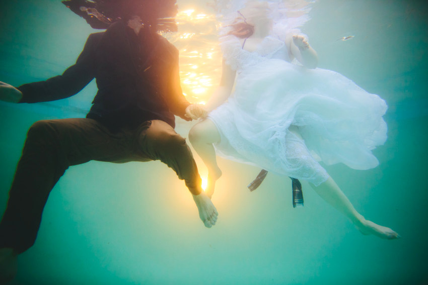 Underwater engagement session 012 photo