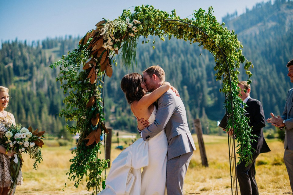squaw-valley-stables-wedding-082-photo